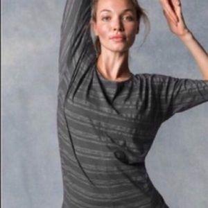 Athleta Dory Charcoal Gray Tunic Size Small